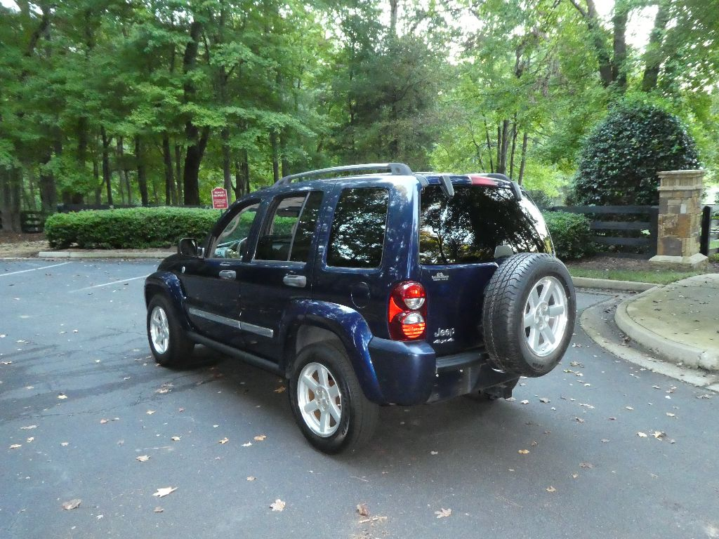Slide Show 2005 Jeep Liberty 4x4