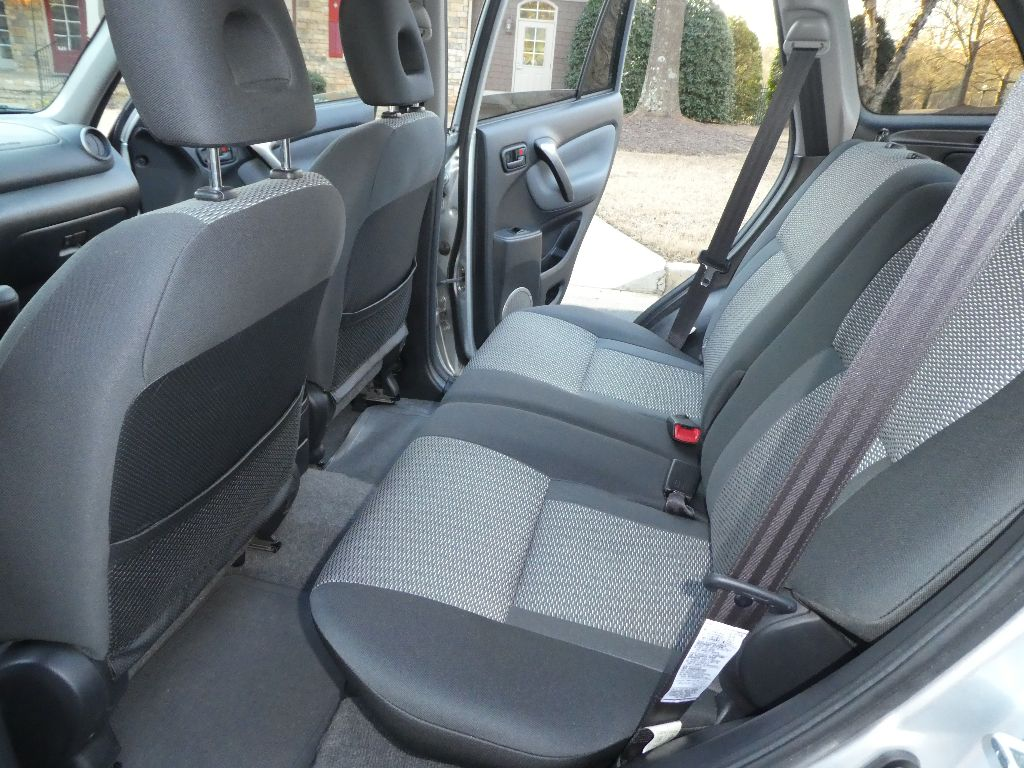 Rear seats recline